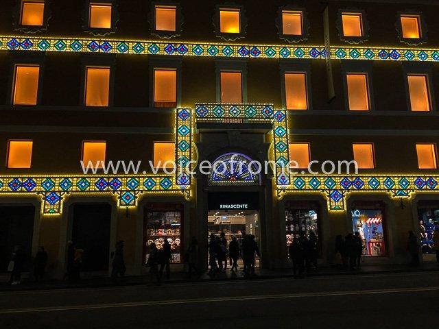 Christmas2018 in  Rome at  Rinascente with  dolcegabbana  )  https   www.voiceofrome.com boze-narodzenie-z-dolce-gabbana-w-rinascente   …pic.twitter.com  ... 826012b360f