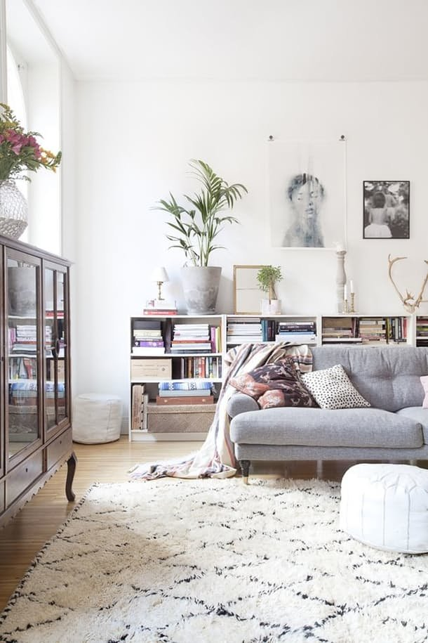 Sometimes it's best to bring your sofa towards the center of the room. Fill the space behind with a bookcase! https://goo.gl/Pds6jS