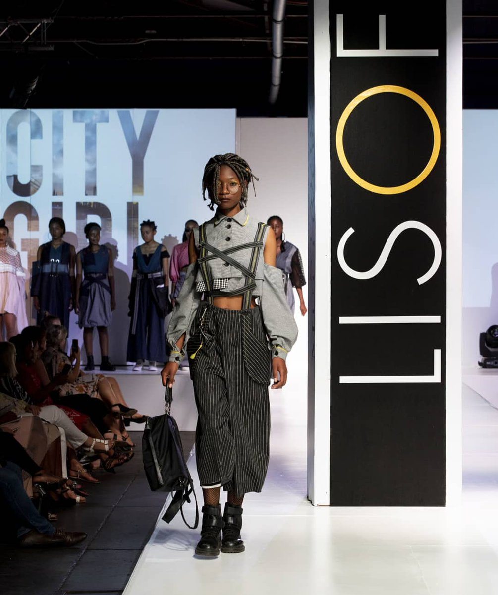 Lisof School Of Fashion On Twitter The Winning Design In The City Girl 1st Years Category Sahla Shahabuddin Lisoffashionshow2018 Lisof Fashion Studentdesigner Studenttalent Southafrica Fashionshow Janmalan 012central Make Up By