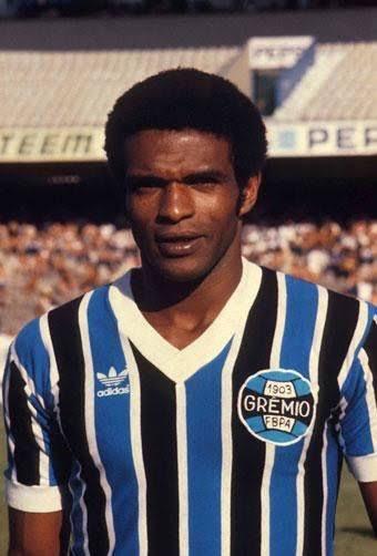 Morre Tarciso, um dos maiores ídolos da história do Grêmio