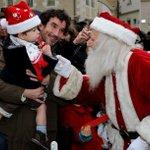 Le Père Noël sera de 10h30 à 13h, sur le marché La Fayette et de 14h à 15h, à la garderie Soleils d'hiver, Grand-Théâtre, place du Ralliement #soleilsdhiver #Angers