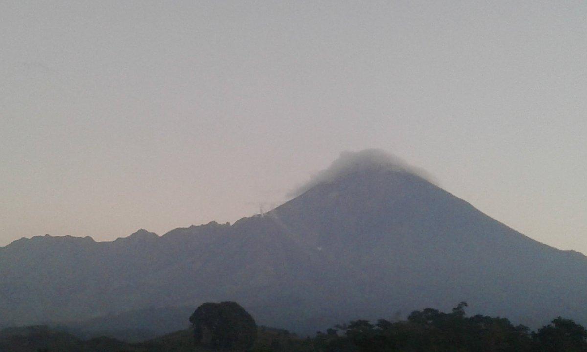 Volcán Santiaguito, Miércoles 05/12/2018.