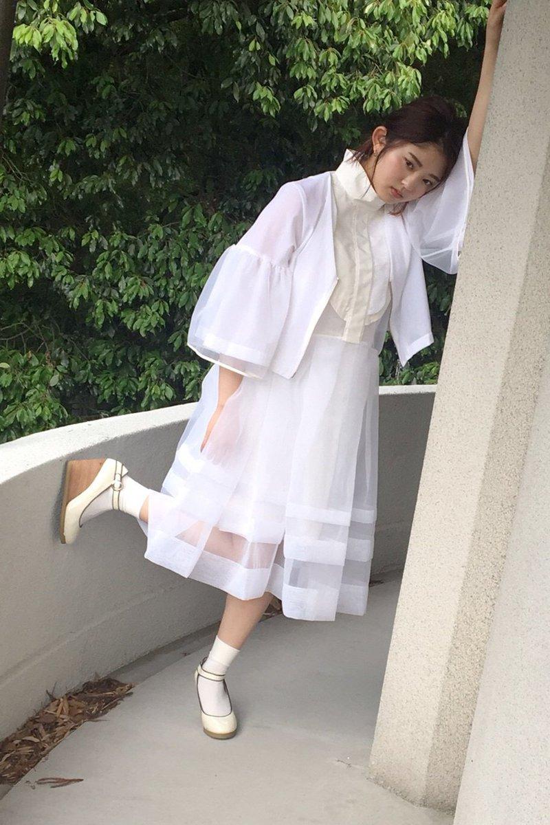 #鈴本美愉 さん、お誕生日おめでとうございます!めでたい日にちなんで、鈴本さんのオフショットをお届けします!#鈴本美愉生誕祭#欅坂46 #21人の未完成●通常版: ●Loppi・HMV限定版: