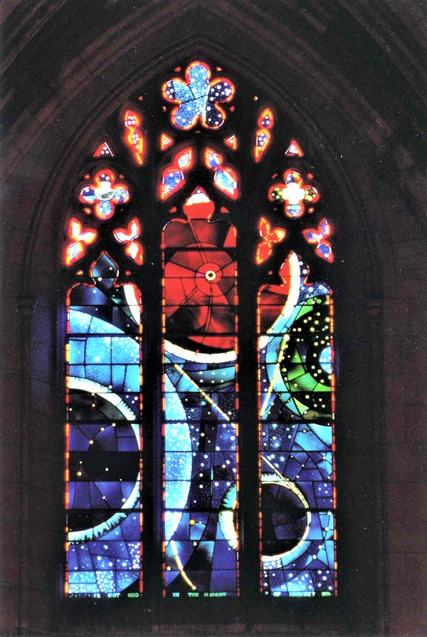 Center of the red orb of #Washington National Cathedral&#39;s 'Scientists &amp; Technicians Window&#39; (#Space) is a 3.6 bil yr old moon rock weighing 7.19g presented by #Apollo11&#39;s astronauts.  Designed by Rodney Winfield ft. orange, red &amp; white stars &amp; planets on a deep blue &amp; green field<br>http://pic.twitter.com/fM1FVi6jkh
