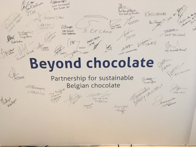 Another big step in making Belgian chocolate more sustainable  #beyondchocolate persconferentie deze ochtend in #chocolatenation @Stad_Antwerpen @WeMakeTheShift @alexanderdecroo #staytuned #belgianchocolate #barrycallebaut #foreverchocolate