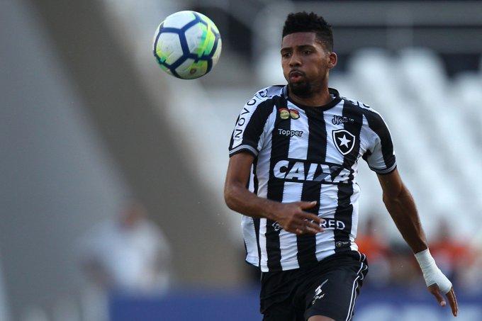 Em conversas por Erik, Botafogo e Palmeiras abrem negociação por Matheus Fernandes Photo