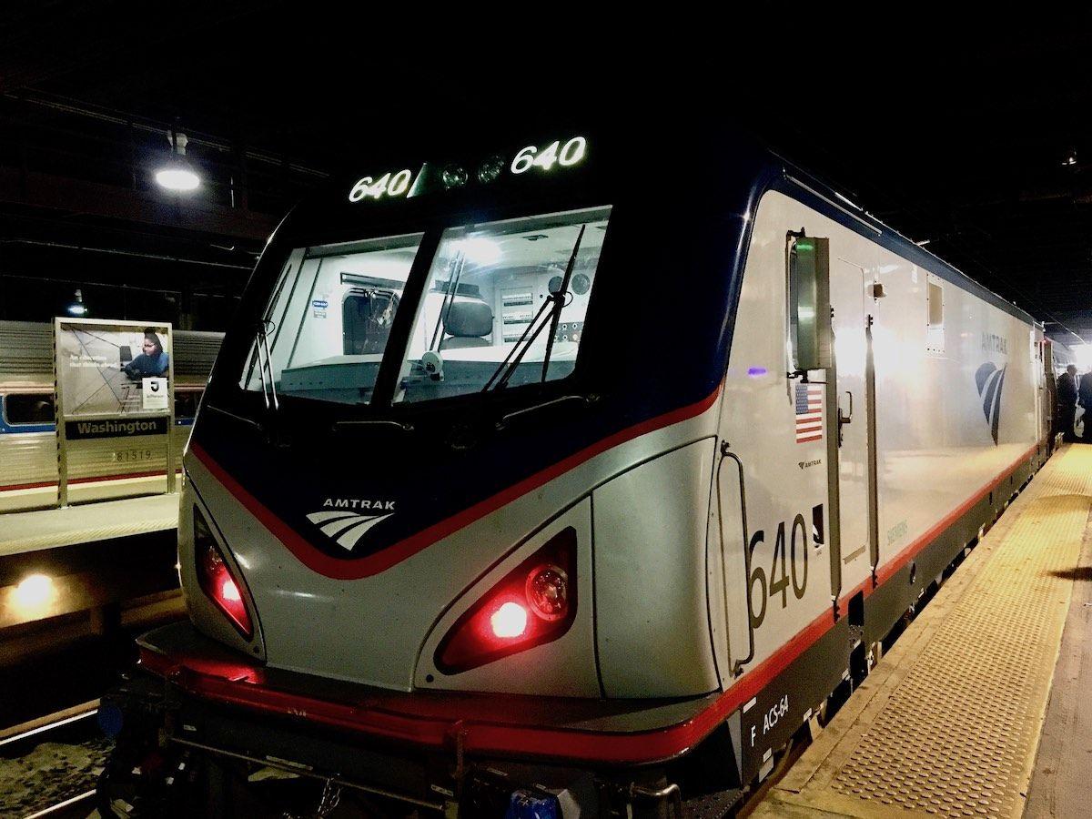 Travelling on Amtrak with a Dog  https:// buff.ly/2KWMg64  &nbsp;   #dogtravel #amtrak<br>http://pic.twitter.com/ro1VbFNjAZ