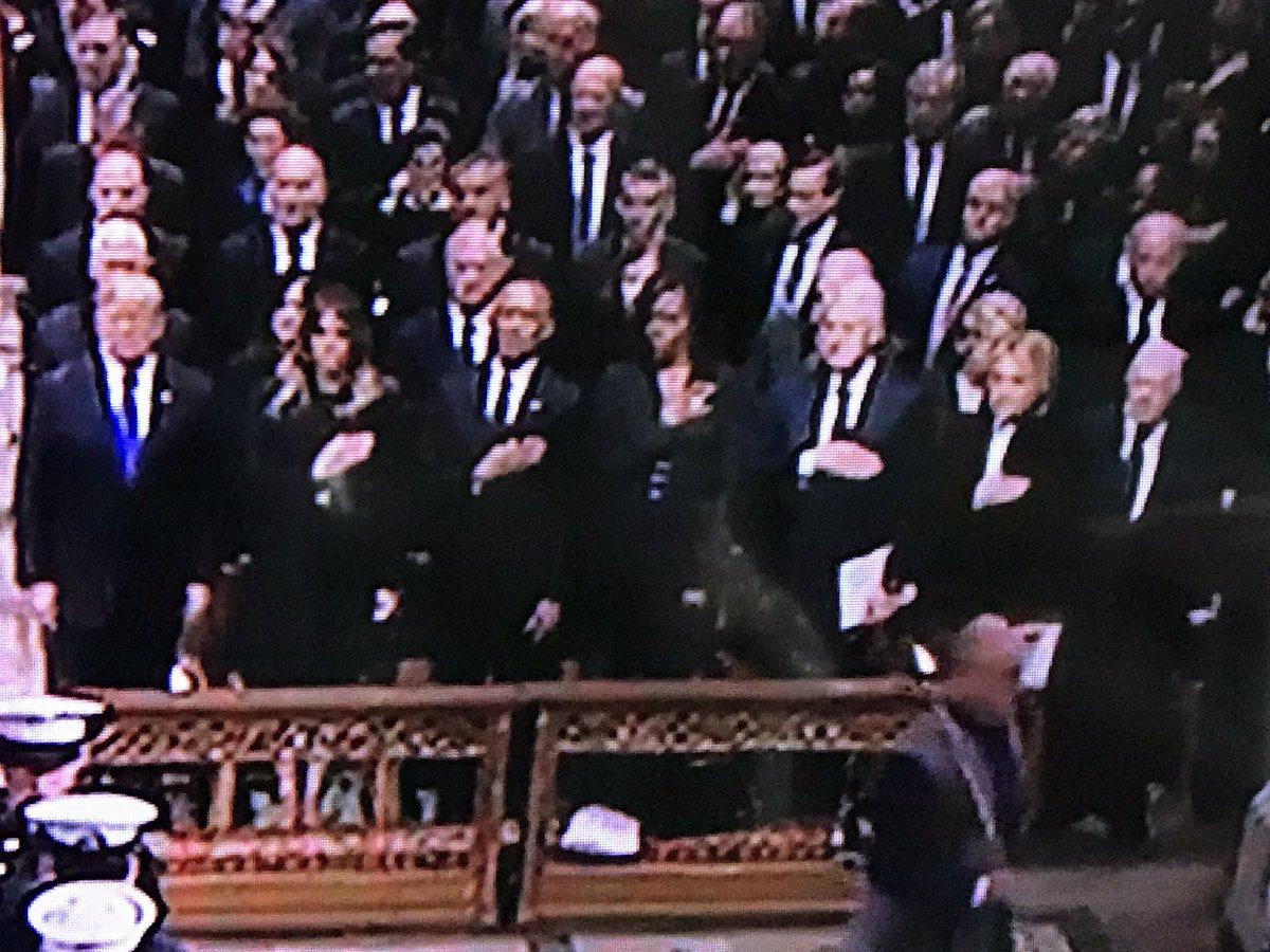 RT @fotofig: Someone forgot to put their hand over their heart.  #GeorgeHWBushFuneral https://t.co/FL4H52JG4v