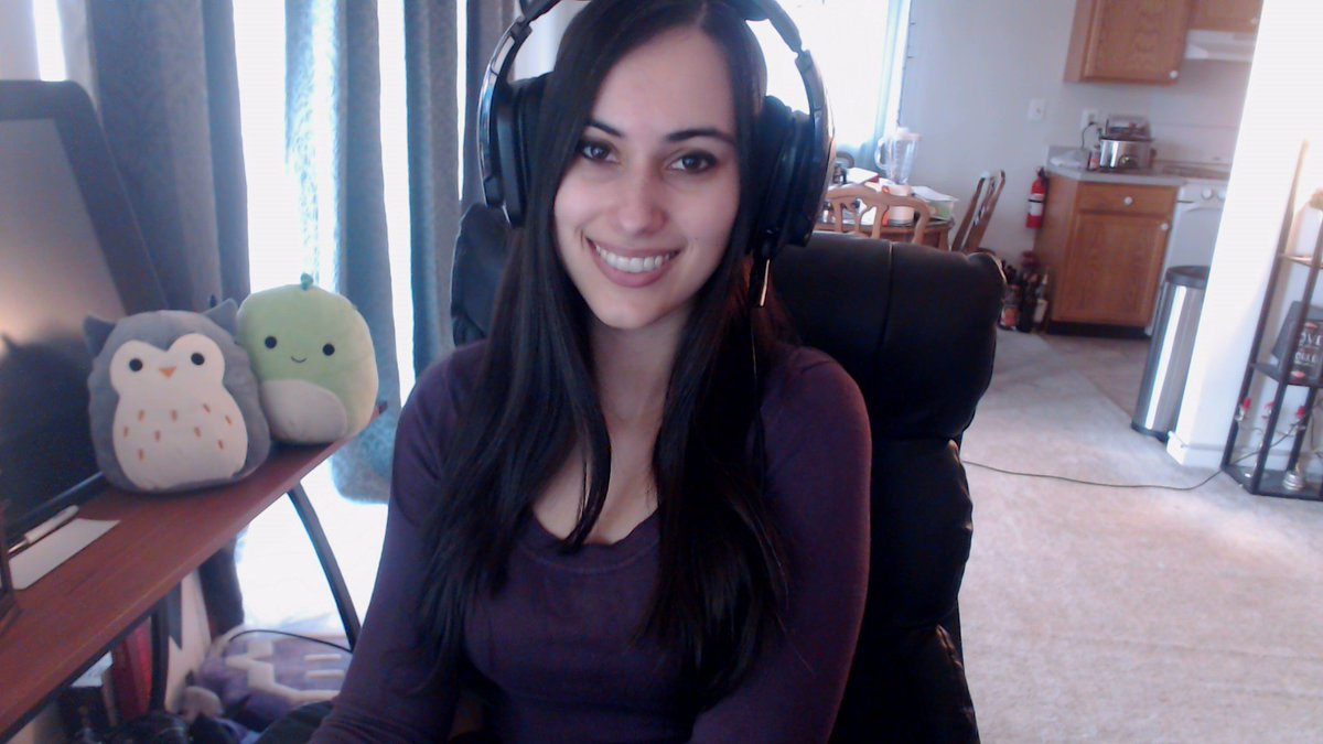 Ha, you thought I was Sang! Nope, I'm Neeko! twitch.tv/sanguiphilia Streaming now :D