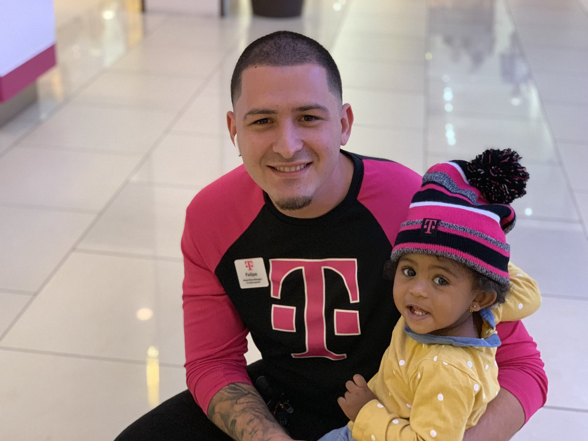 What makes @TMobile the best company in the world is the relationship between our employees and our customers. It isn't about a bill or a phone, it is about genuinely caring for their needs and who they are. @JohnLegere @SievertMike @JonFreier @bnash001 #AreYouWithUs