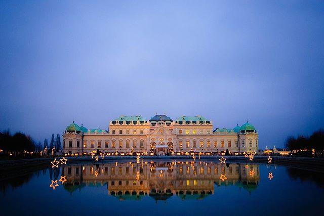 Evening View of Belvedere in Vienna 🇦🇹 Follow us: earth_trippers . . . #architecture_hunter #naturephotography #naturelovers #historical #amazingarchitecture #europe #europetravel #travelgram #building #palace #eveninglight #castle #vienna #viennaaustria #austria #belvederecastl