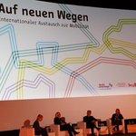 Image for the Tweet beginning: Mobilitätskonferenz #neuewege2018 jetzt im Zoopalast. Die