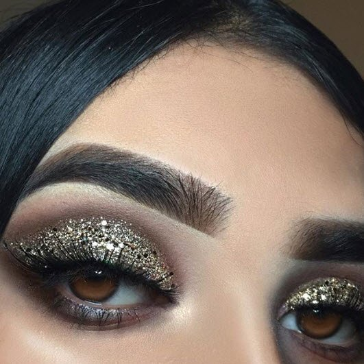 9c05f5310a4 This glam girl does it again… only this time, glitter glam 💕 @elimabeauty