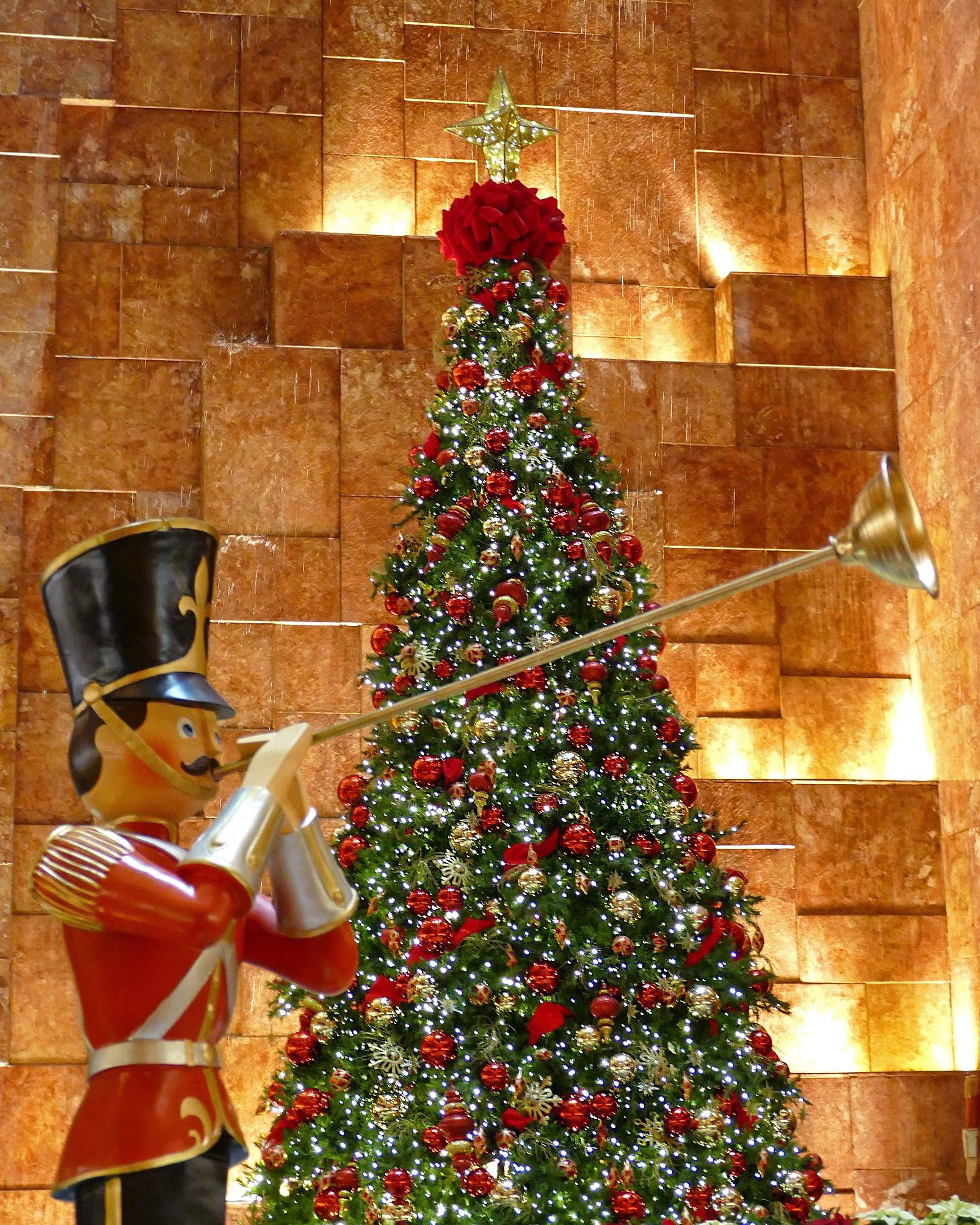 It is officially Christmas at @TrumpTower New York �� https://t.co/OlviF5BK17 https://t.co/9kK09eMtMR