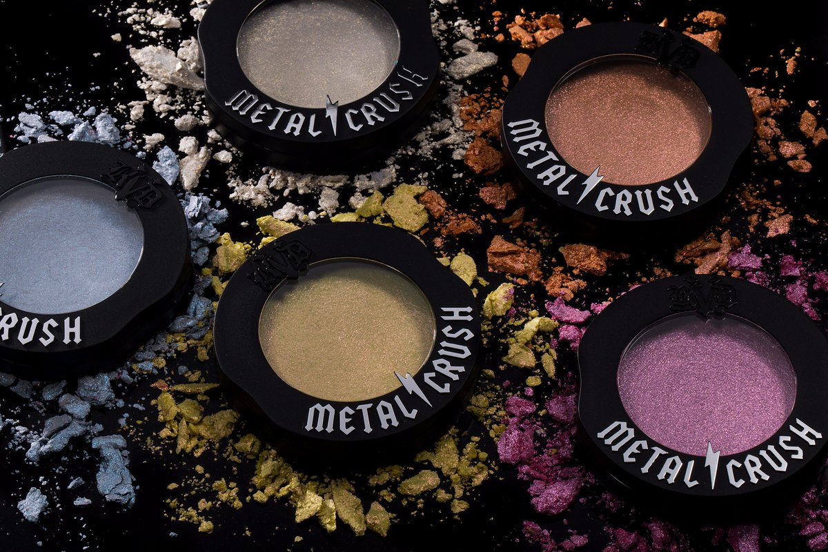 ⌛️Last few hours to snag Metal Crush Highlighters for 50% OFF at #KATVONDBEAUTY Shop now → bit.ly/2Qop9H4