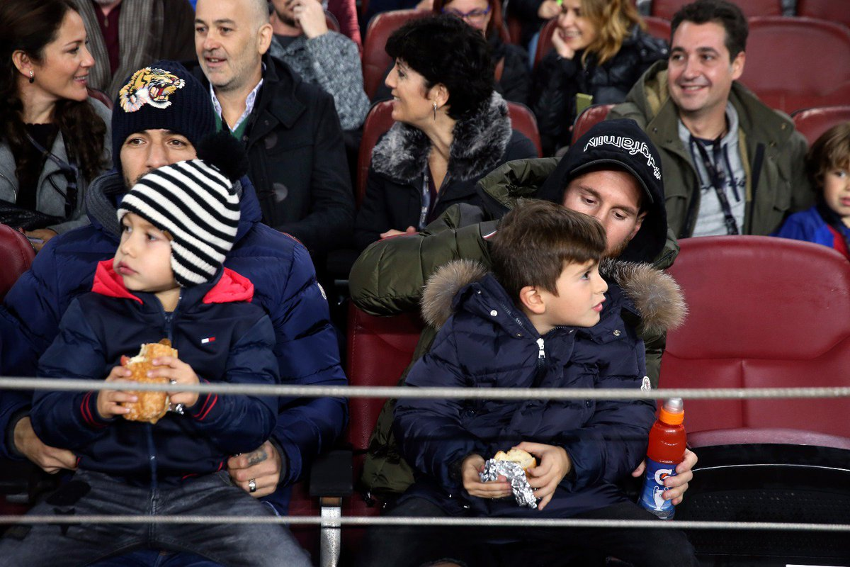 Night out with the kids 🍿 #CopaBarça