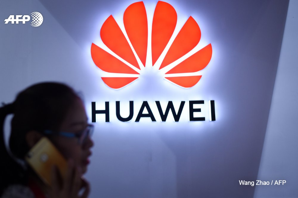 #BREAKING Senior executive from China's Huawei arrested in Canada, official says