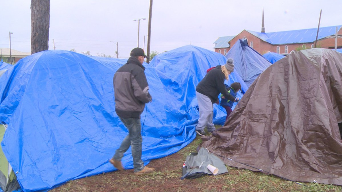 People are living in tarp tents in Panama City Beach Florida. #HurricaneMichael...but that&#39;s already run its news cycle hasn&#39;t it?<br>http://pic.twitter.com/tRveqc4oSK