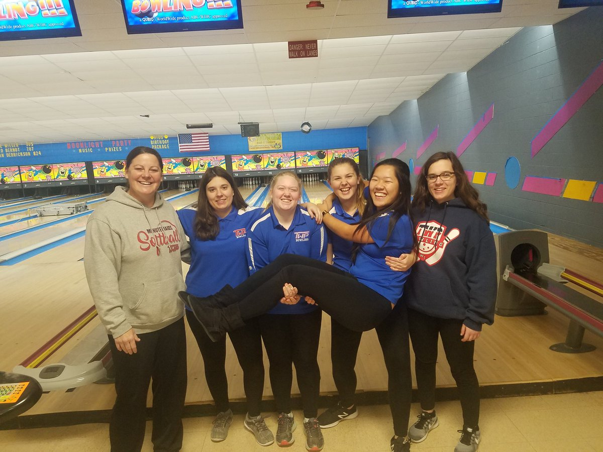 47400933eff Boys and Girls Varsity bowling with a clean sweep of Shawnee tonight at  Medford Lanes! A perfect 6-0 on the season!