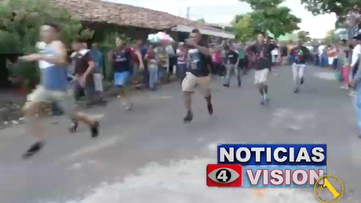 e84cd3d2e En San Pablo Tacachico están de fiesta y sus pobladores se divierten a lo  grande con