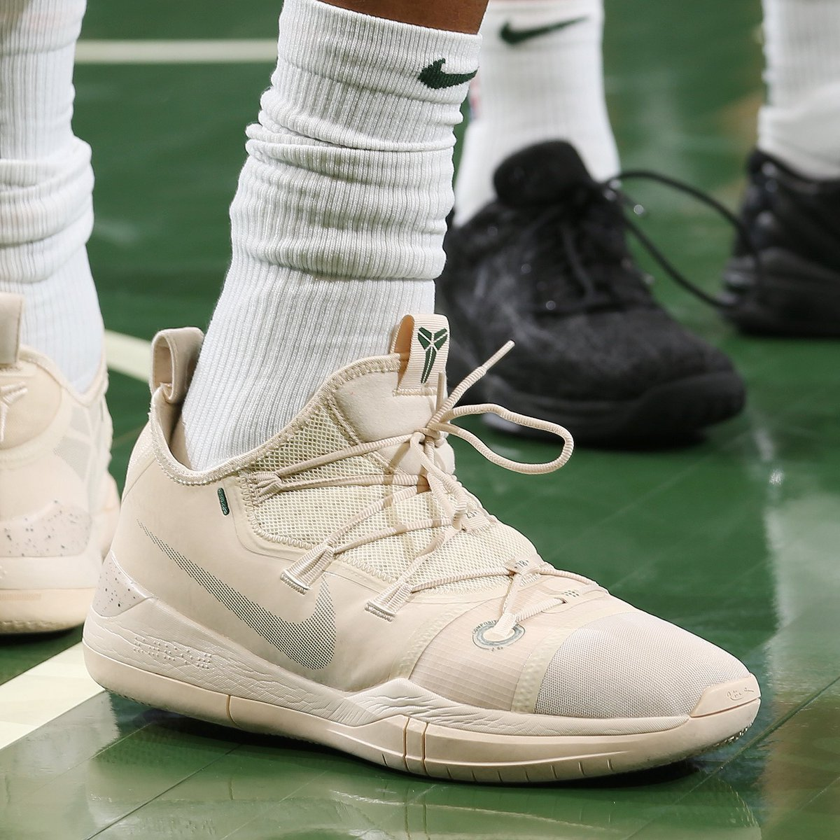 350d0b4c3f18 solewatch giannisan34 wearing the nike kobe ad against the pistons eightxten