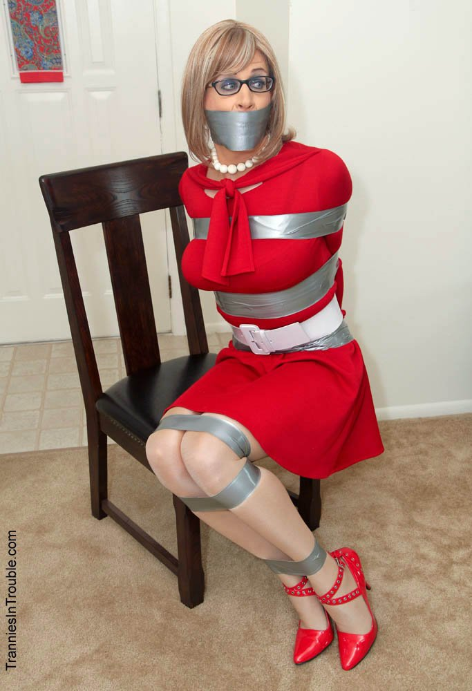 Crossdressers in bondage are eager for