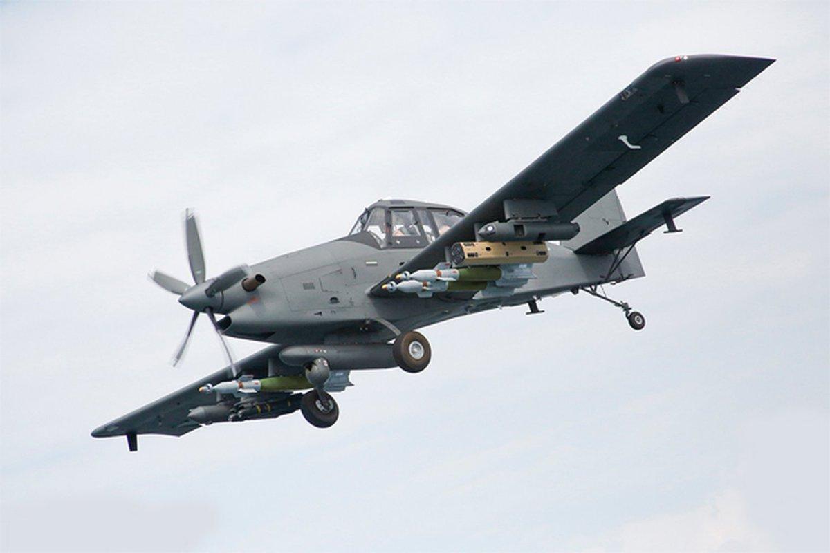 شركة IOMAX  تسرع لإتمام صفقة بيع 10 طائرات Archangel لمصر DttjRMvXgAARwmi