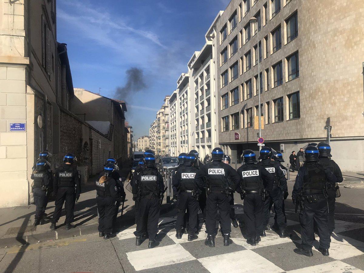 Протесты школьников и студентов в Марселе