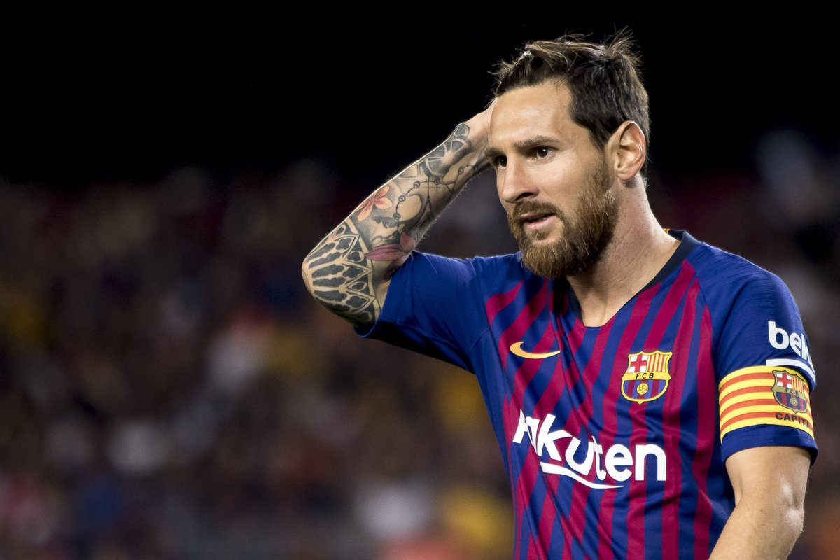 'Lionel Messi only has one skill!' - Pele rates himself above Barcelona star