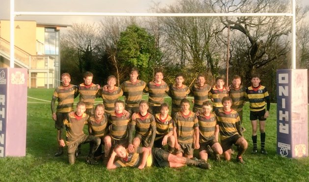 Last year this team lost 75-5 to the same opposition!  Now in Year 9 they won 10-3 against Sir Thomas Rich school.  That's progress!  Their kit may need a wash though. @BeechenRugby