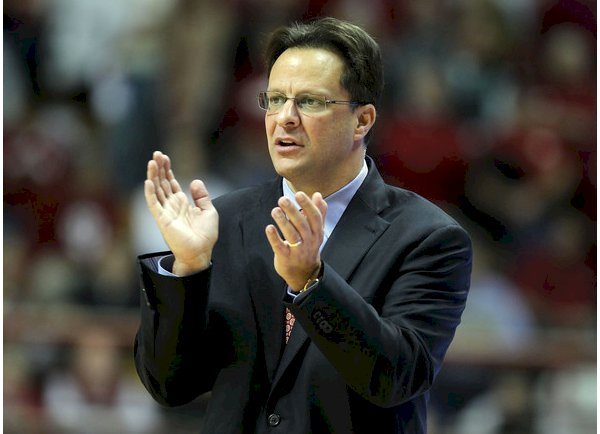 """During practice, average players get bored, good players get better, great players go to battle."" – Tom Crean  http:// amzn.to/2h80Pnu  &nbsp;   #ThursdayThoughts <br>http://pic.twitter.com/QeKn58yHa4"