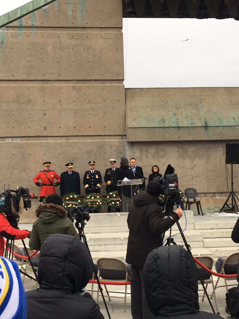 RT @LisaRobertsHfx: .@LindellSmithHFX MCs #HalifaxExplosion memorial at Needham Park @HalifaxNorthEnd https://t.co/8KzTJBiy48