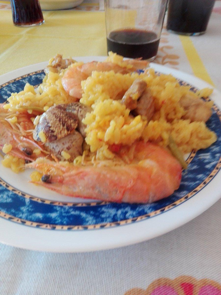 #FelizJueves  #JueGenteChachi6Dic  A comer<br>http://pic.twitter.com/VuviWnpepk