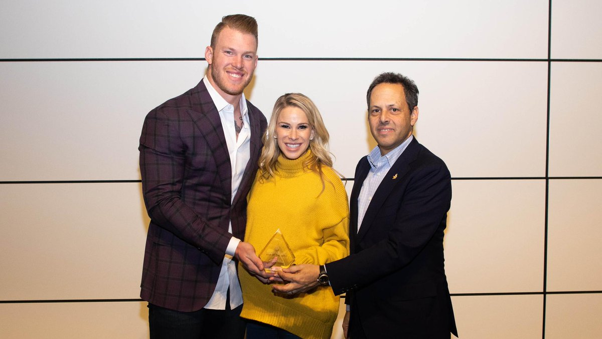.@KyleRudolph82 is the #Vikings nominee for the 2018 Walter Payton Man of the Year.   Kyle!   :  http:// mnvkn.gs/YSbO9a  &nbsp;  <br>http://pic.twitter.com/c4RZYkOnux