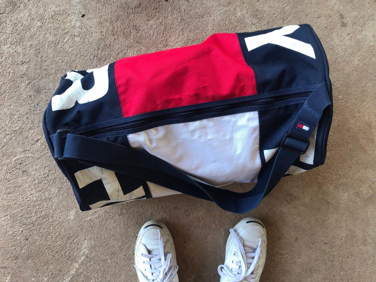 2e3ed0b358 ... Vintage Tommy Hilfiger duffle bag, spellout logo design, gym bag,  vintage 90s bag (one size ) #tommysportbag #adventurebag #sportbagtommy  #biglogotommy ...