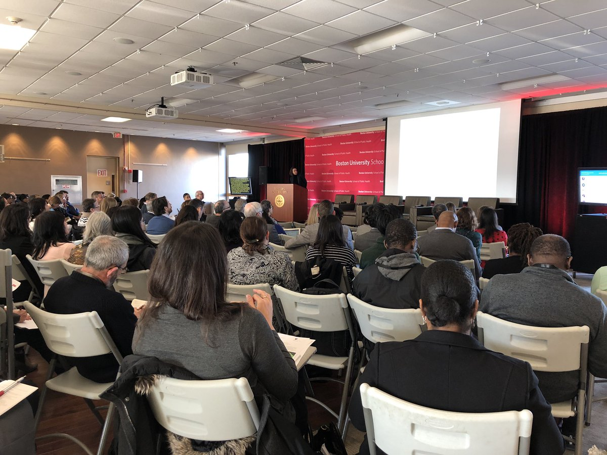 """""""Who lived + died in the 1995 Chicago Heat Wave?"""" Dr Cagney @UChicago on how social isolation + built environ affect health #busphsymposia <br>http://pic.twitter.com/O1FF4yc2yi"""