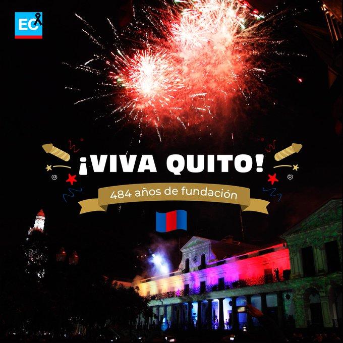 ¡Deja tus 💙❤💙 si llevas a #Quito en el corazón! Hoy, en sus 484 años de fundación gritamos un gran ¡#VIVAQUITO! 🙌🎉😄 Photo