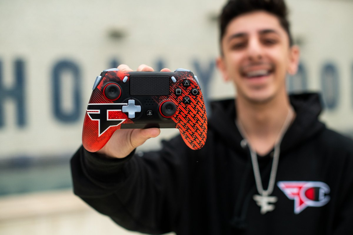 Faze Clan On Twitter Fresh New Controller For The Holiday Season Our Brand New Faze Vantage By Scufgaming Is Now Available For Purchase Https T Co Eed6w4kkev Https T Co Avkjnchreh