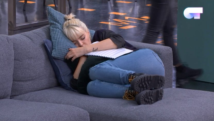 Me sleeping well knowing natalia is going to confess to alba #OTDirecto6DIC <br>http://pic.twitter.com/B4nTvP3iYp