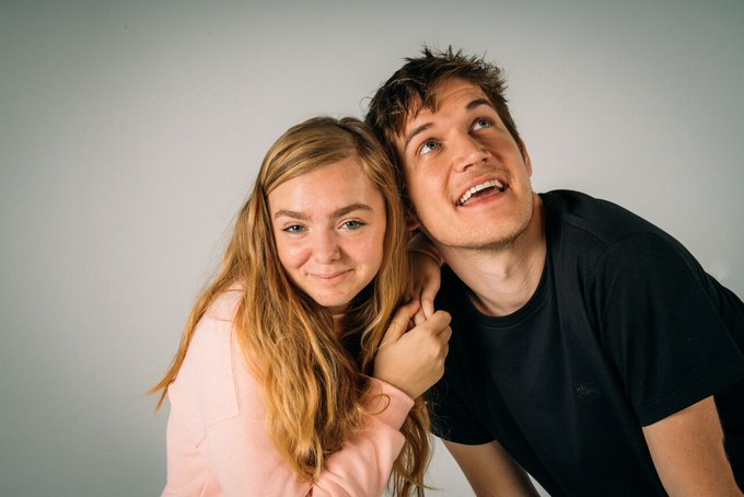 Congratulations to the coolest girl in the world, #GoldenGlobes BEST ACTRESS nominee @ElsieKFisher 🎉🎉🎉🎉🎉 #EighthGrade Photo