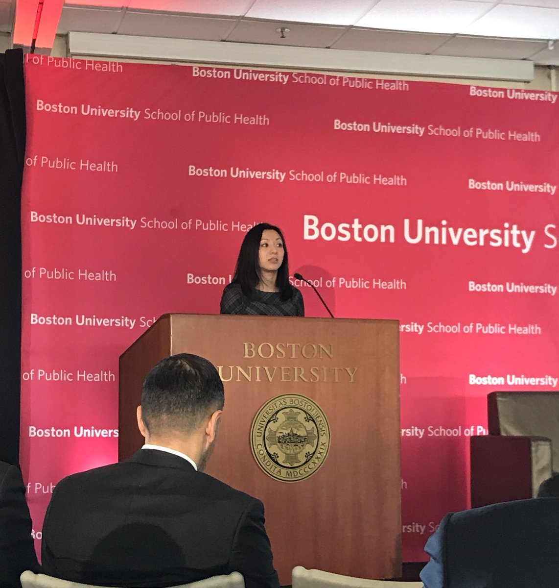 Access to health foods in cities: disparate food environments translate into health disparities - @DrMonicaWang of @BUSPH #BUSPHSymposia <br>http://pic.twitter.com/xqPTjxtePr