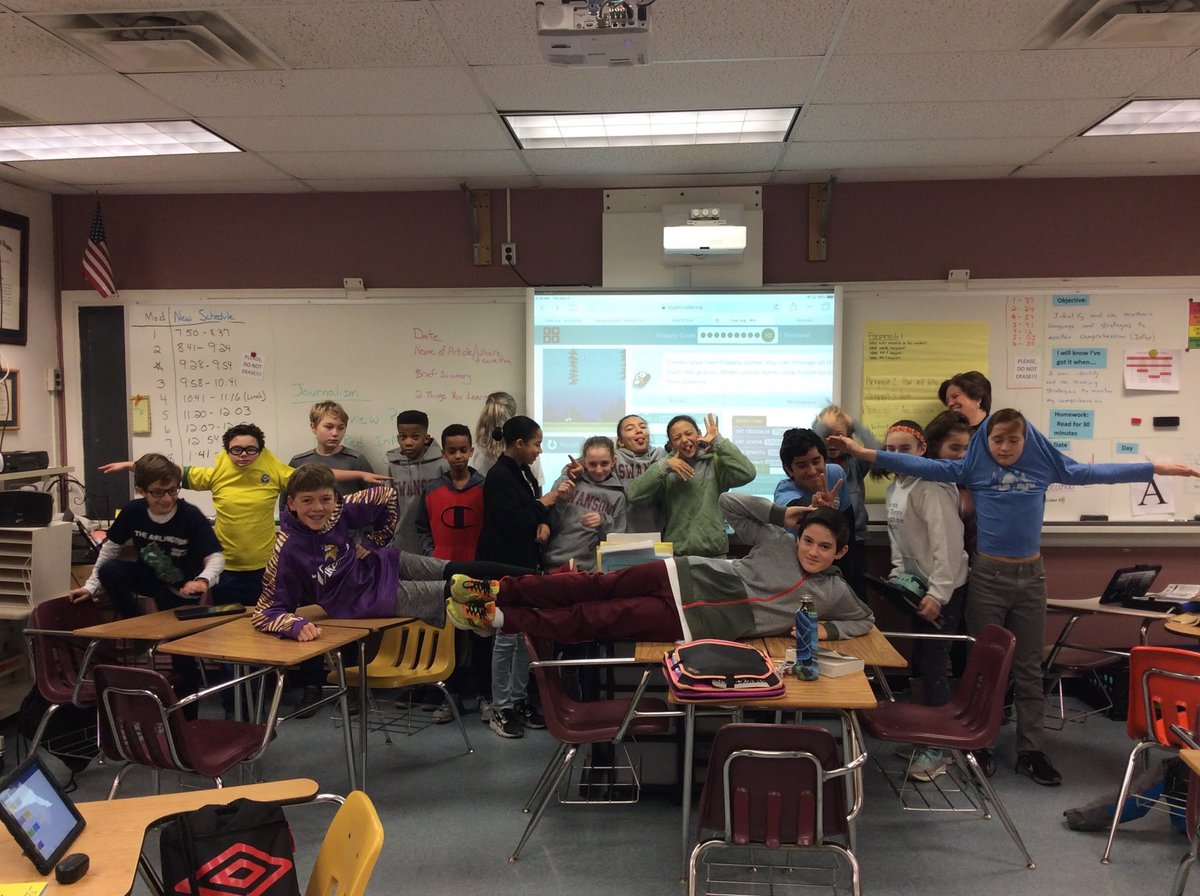 This is National Computer Science Education Week! Ms. Kelleher's 6th gr. reading classes joined to show that anyone can learn the basics of computer science. Join Swanson for the 2nd Code-A-Thon this Saturday, December 8th. Open to all with permission slip! - Karenna Keane <a target='_blank' href='https://t.co/gt9t6xdYCS'>https://t.co/gt9t6xdYCS</a>