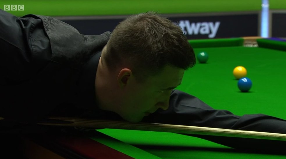 Relentless. Wilsons third successive half-century puts him 5-2 up. The Kettering man needs just one frame for a quarter-final place. Watch: bbc.co.uk/sport/live/sno…