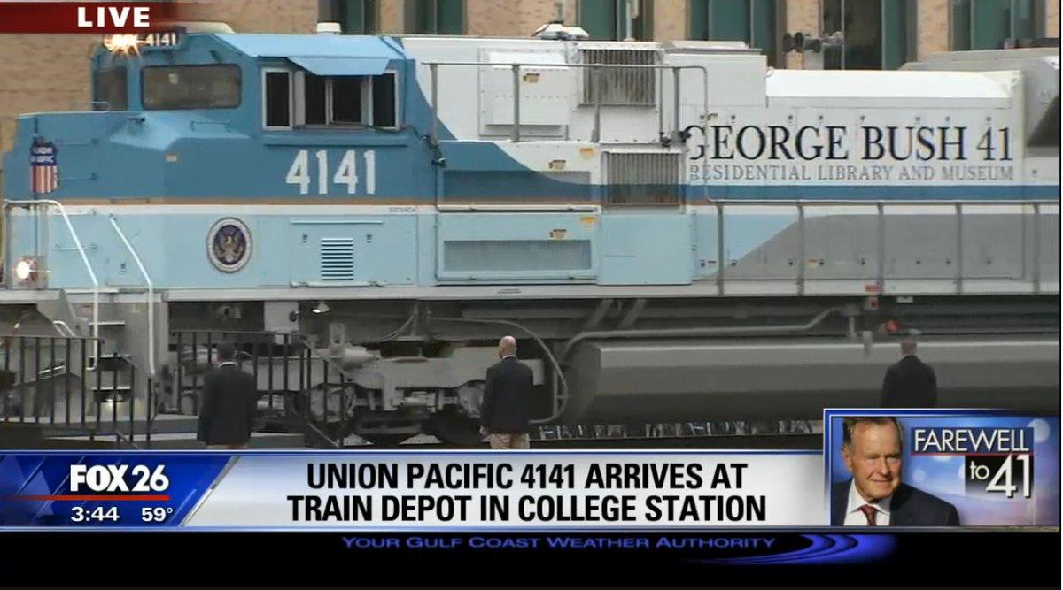 The #GeorgeHWBush funeral train has arrived in College Station.  #4141 @TAMU