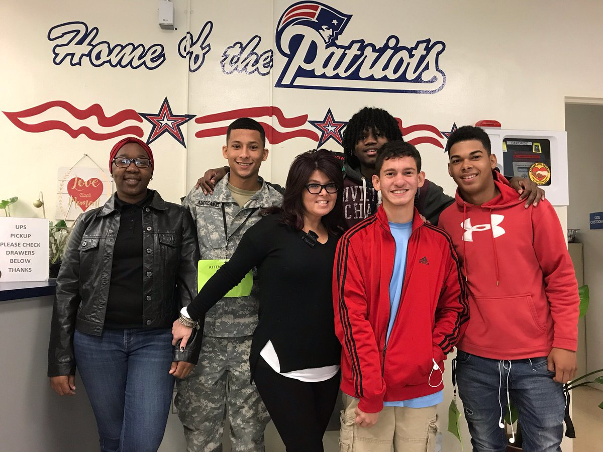 American's #PrincipalToday Gaby Millares enjoying the day at Patriot Nation @MDCPS<br>http://pic.twitter.com/Lrnk2HrxVw