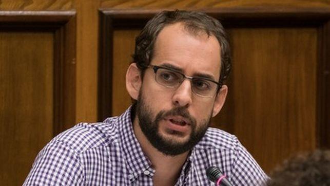 Podemos acusa al Cabildo de Gran Canaria de 'dejar sin beca' a 171 estudiantes eldiario.es/_324581aa