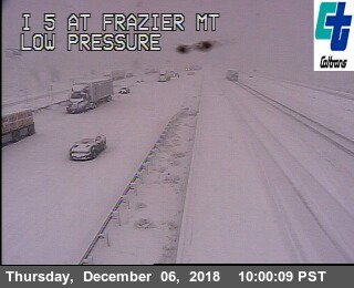 Snow is impacting the #TejonPass on the I-5. Road is closed.  Major travel impacts. #LArain #cawx.<br>http://pic.twitter.com/jUdntSxass