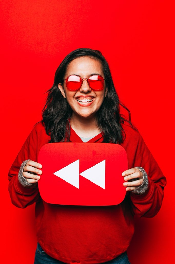 hey 2016 elle working her ass off to get 1000 subscribers keep at it i think you're gonna be very happy with the results #youtuberewind :)