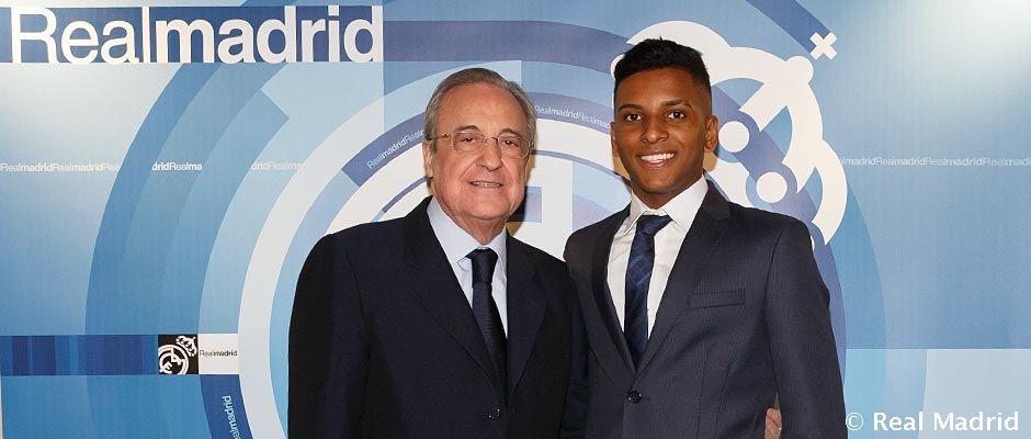 📸 Rodrygo Goes acudió al Santiago Bernabéu para presenciar en directo el encuentro de Copa del Rey, y se fotografió con Florentino Pérez.