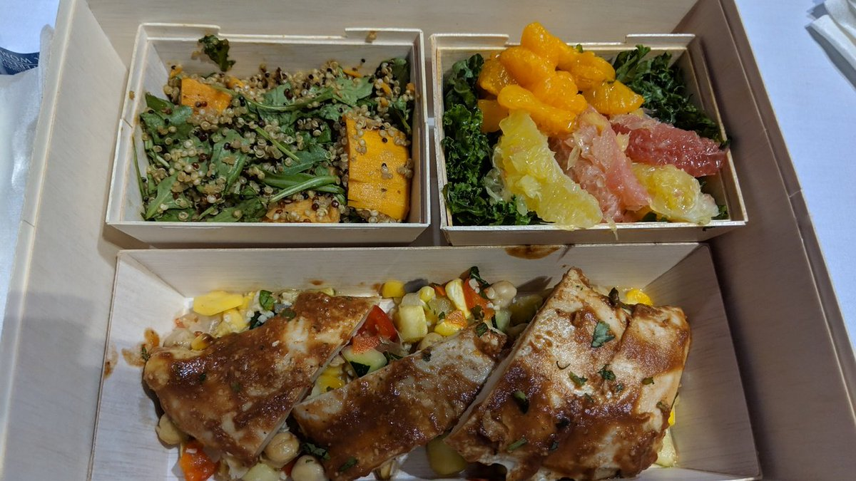 @MassWomen thank you allowing me to continue to eat clean while at a conference of 12,000. It would have been easier to serve sandwiches and chips. I appreciate your decision to offer a healthy balanced meal  #MassWomen <br>http://pic.twitter.com/zzWzBcqU44
